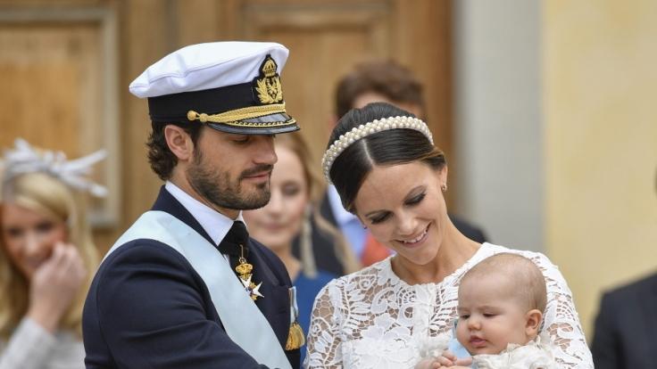 Prinz Carl Philip von Schweden, Prinzessin Sofia und Prinz Alexander bei dessen Taufe im September 2016.
