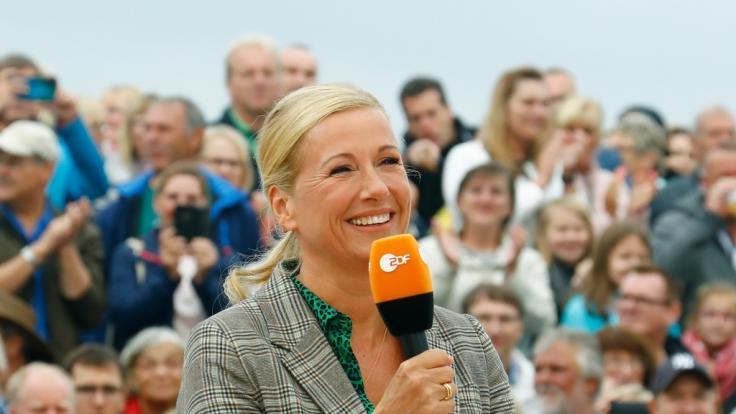 "Andrea Kiewel lud am 5. September 2021 im ""ZDF Fernsehgarten"" zum Schlagerfestival. (Foto)"