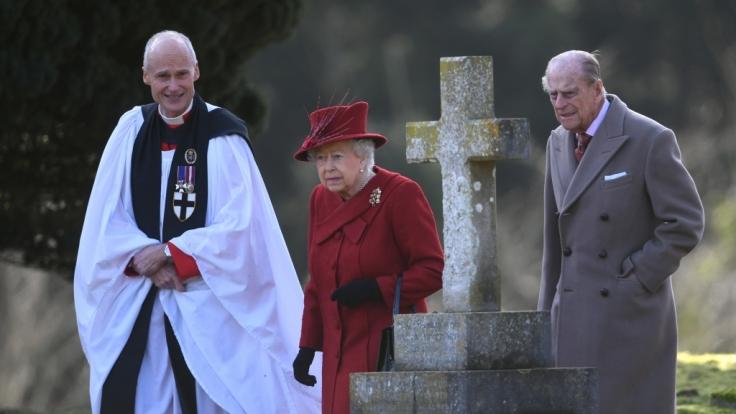 Beim Ostergottesdienst 2018 fehlte Prinz Philip (rechts) an der Seite von Queen Elizabeth II.