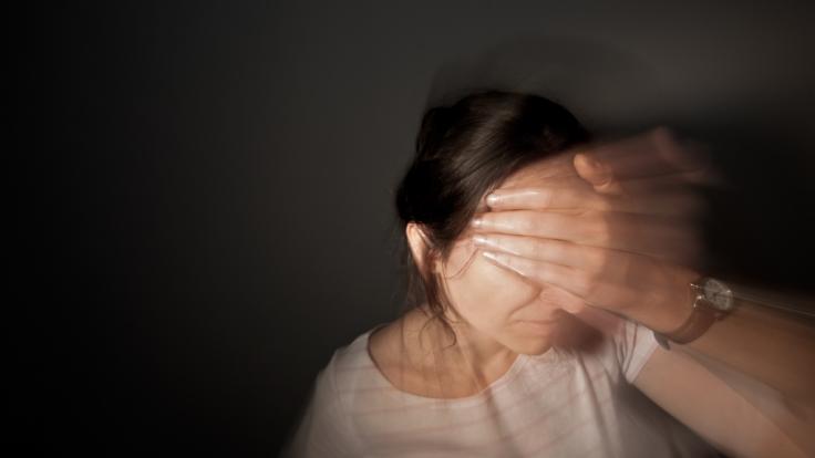 Eine Frau aus den USA leidet unter chronischen Schmerzen (Symbolbild). (Foto)