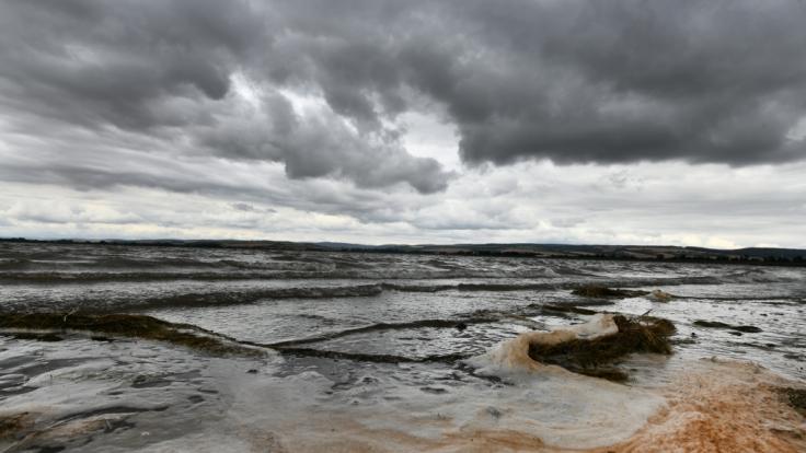 Das Wetter in den kommenden Tagen lädt leider nicht zum Ausflug an den Badesee ein.