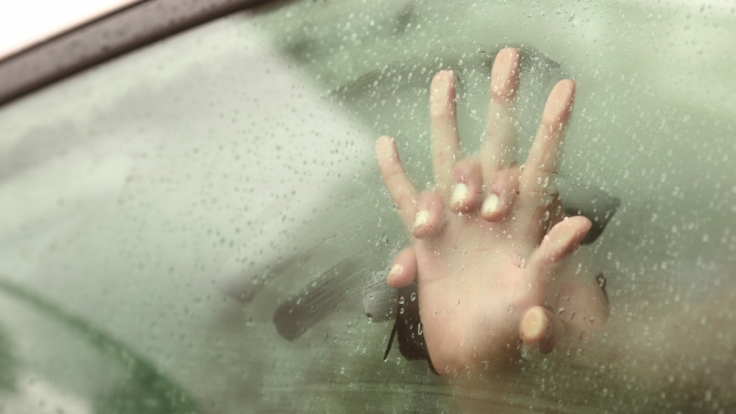 Lehrerin hat mit Schüler Sex im Auto