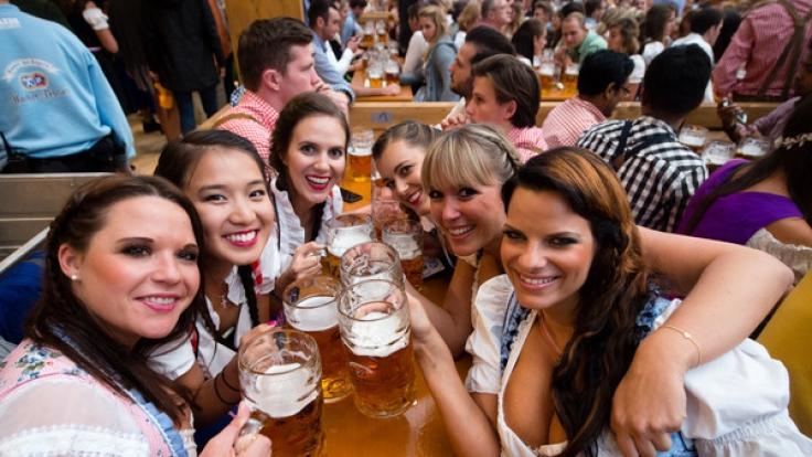 Zeitgleich mit der Münchner Wiesn finden zahlreiche Oktoberfeste in ganz Deutschland statt.