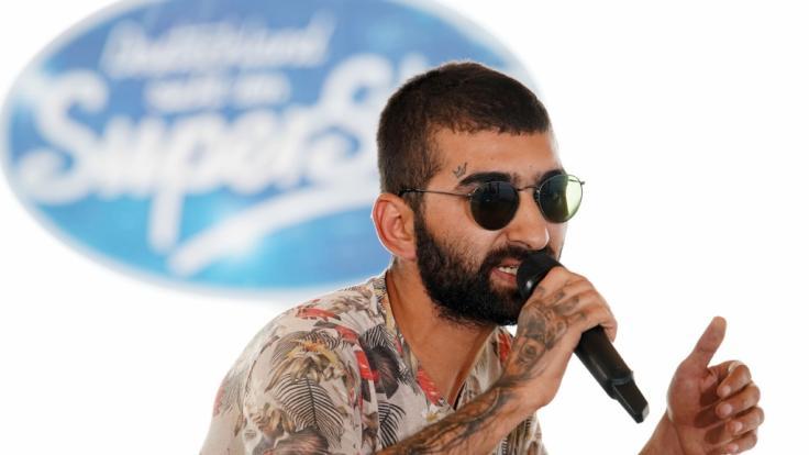 Kandidat Cagri Karpuz aus Schrobenhausen stellt die DSDS-Jury mit seinem Freestyle-Rap auf eine harte Probe.