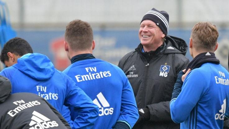 Hamburgs Trainer Markus Gisdol mit seiner Mannschaft.
