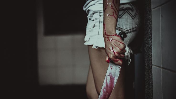 Ein Partygirl in England rastete im Drogenrausch aus und schlitzte der Gastgeberin einer Party das Gesicht auf. (Foto)