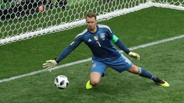 Manuel Neuer bleibt immer am Ball.