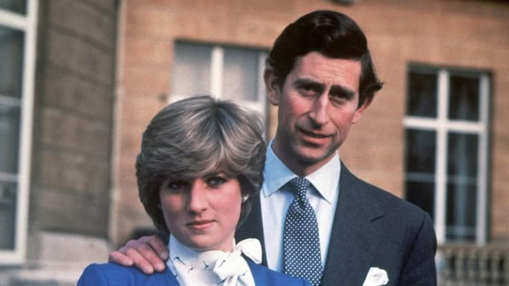Prinzessin Diana und Prinz Charles am Tag der Bekanntgabe ihrer Verlobung am 24.02.1981. (Foto)