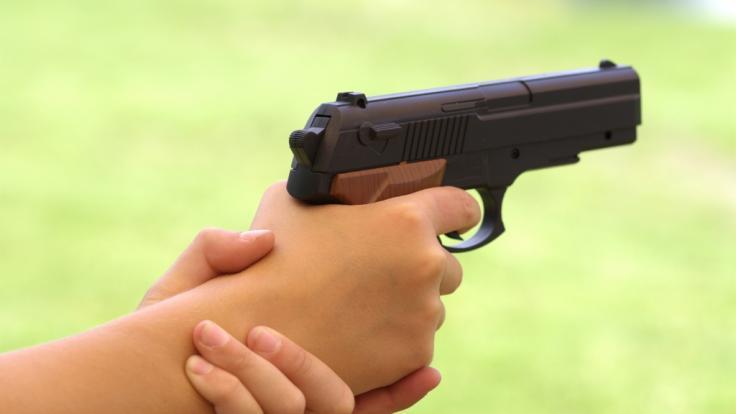In den USA hat ein 5-Jähriger seinen Bruder (12) mit einer Schusswaffe erschossen. (Symbolbild) (Foto)