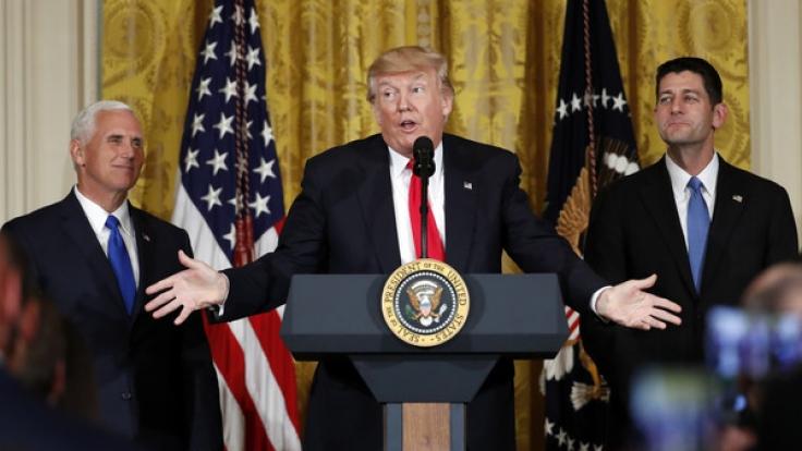 Knüppeldick: Donald Trump steht unter Beschuss, auch aus den eigenen Reihen. (Foto)