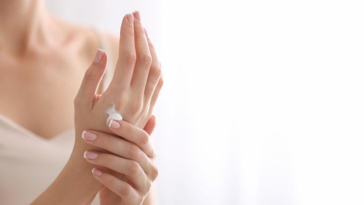 Einige Handcremes enthalten Schadstoffe.