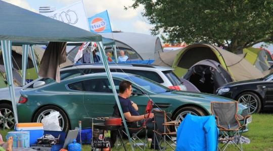 Die besten Bilder zu Camping während des 24-Stundenrennens von Le Mans: Camping mit Stil (Foto)