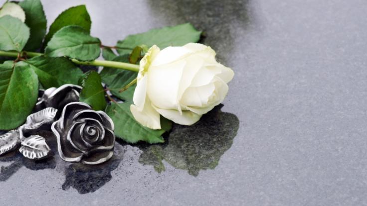 In Schottland wurden die Beschwerden eines Familienvaters falsch diagnostiziert. Wenige Tage später ist er tot. (Symbolbild)