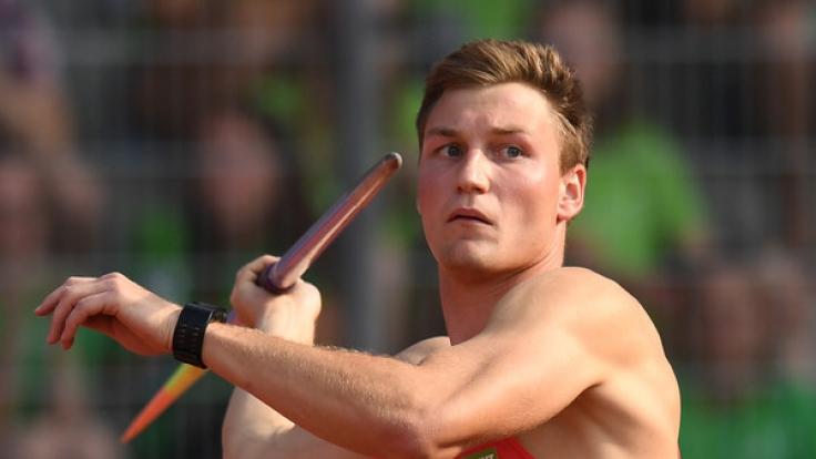 Olympiasieger Thomas Röhler greift bei der WM in London nach Speerwurf-Gold.