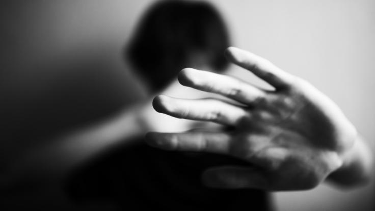 Der Täter hatte das 20-jährige Opfer unter Gewaltandrohung zum Sex gezwungen. (Foto)