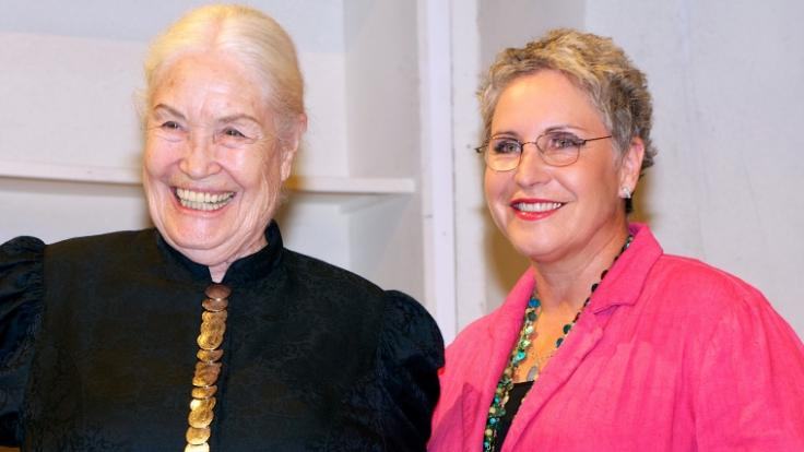 Ellen Schwiers (links) möchte sterben.