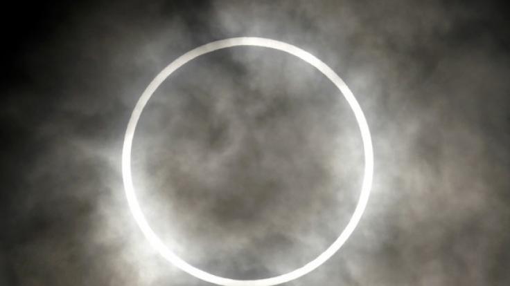 Am Sonntag (26.03.2017) ist auf der Erde eine ringförmige Sonnenfinsternis sichtbar.