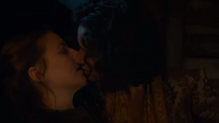 Yara Greyjoy knutscht mit Elaria Sand. (Foto)