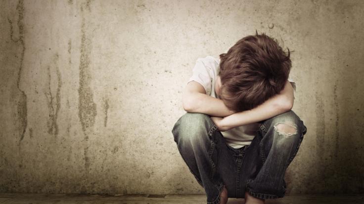 Zwei kleine Kinder aus Victoria (Australien) wurden von ihrer Pflegemutter auf unfassbare Weise gequält und misshandelt (Symbolbild). (Foto)