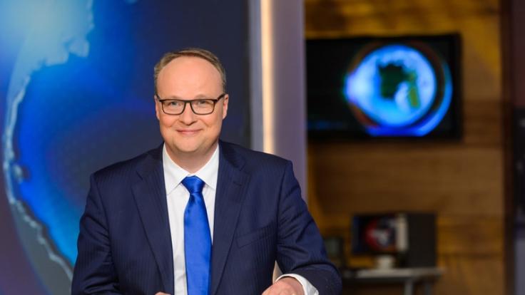 """Oliver Welke präsentiert jeden Freitag seinen satirischen Wochenrückblick in der """"heute-show"""". (Foto)"""