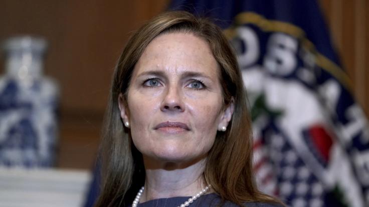 Die konservative Supreme Court-Richterin Amy Coney Barrett ist privat Mutter von sieben Kindern. (Foto)