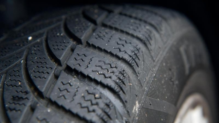 Das Angebot an Winterreifen ist groß. Ob Materiel, Profil oder Preis - je nach Hersteller gibt es hier einige Unterschiede. Der ADAC hat sie getestet. (Foto)