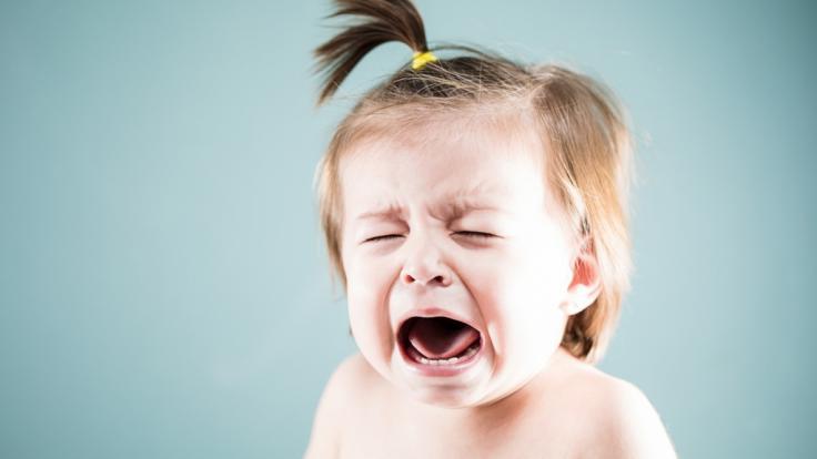 Ein zweijähriges Mädchen wurde von ihrer Mutter aus banalen Gründen verprügelt (Symbolbild). (Foto)