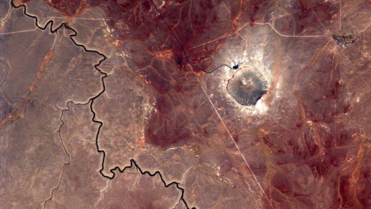 Der Barringer-Krater im US-Bundesstaat Arizona ist mit rund 1.200 Metern Durchmesser und einer Tiefe von etwa 180 Metern das Resultat eines Meteoriteneinschlags. (Foto)