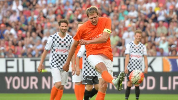 """Dirk Nowitzki bat 2016 erstmals Stars aus der Sportwelt zum Benefizspiel """"Champions for Charity"""" - in diesem Jahr erlebt die Veranstaltung eine Neuauflage mit vielen Promis. (Foto)"""