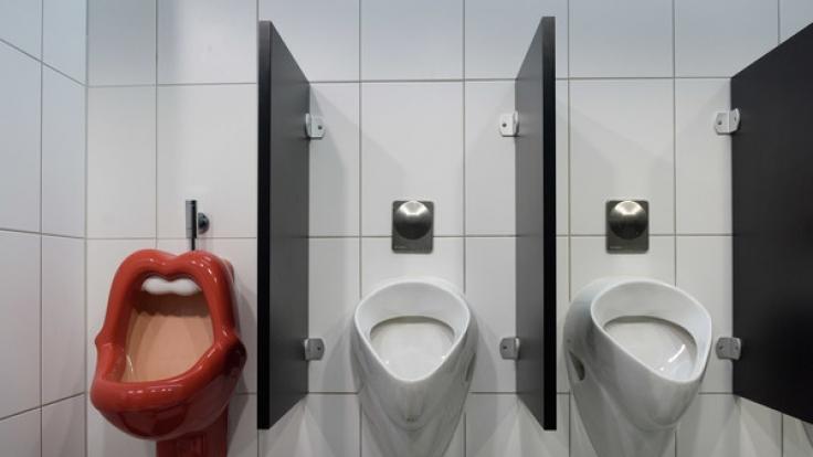 Wenn es nach dem Berliner Senat geht, sollen künftig auch Pissoirs für Frauen in öffentlichen Toiletten zu finden sein (Symbolfoto). (Foto)