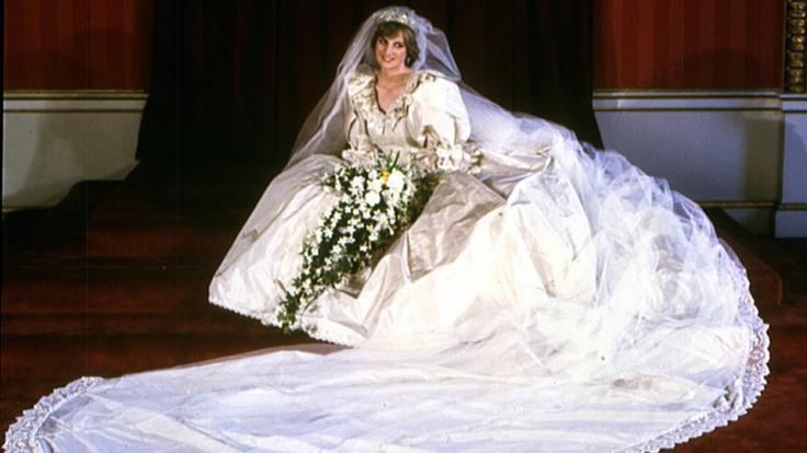 Wenn in Adelshäusern die Hochzeitsglocken klingen, geht es selten bescheiden zu: Den einsamen Schleppenrekord hält immer noch Prinzessin Diana. Als sie 1981 Prinz Charles ehelichte, zog sie stolze 7,62 Meter hinter sich her.