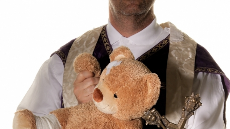 Der Sohn eines Priesters hat in Großbritannien ein Mädchen zum Sex mit einem Hund gezwungen. (Symbolbild) (Foto)