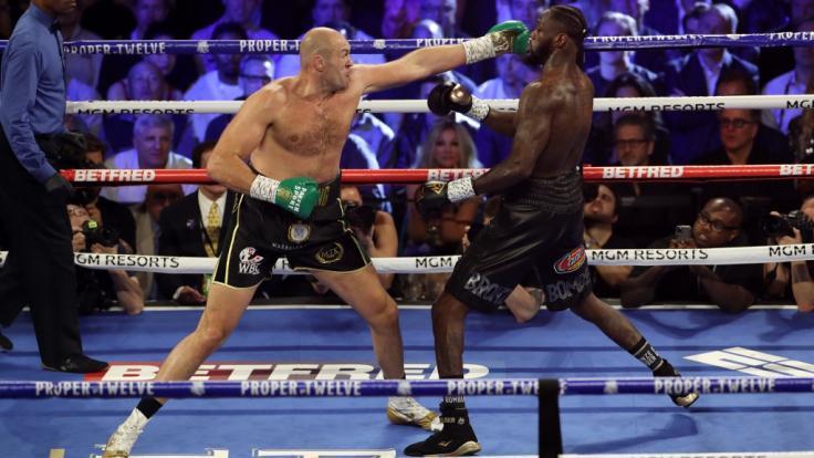 Tyson Fury dominierte mit seiner Führhand gegen Deontay Wilder. Holt er sich im 3. Duell endgültig den WM-Gürtel? (Foto)