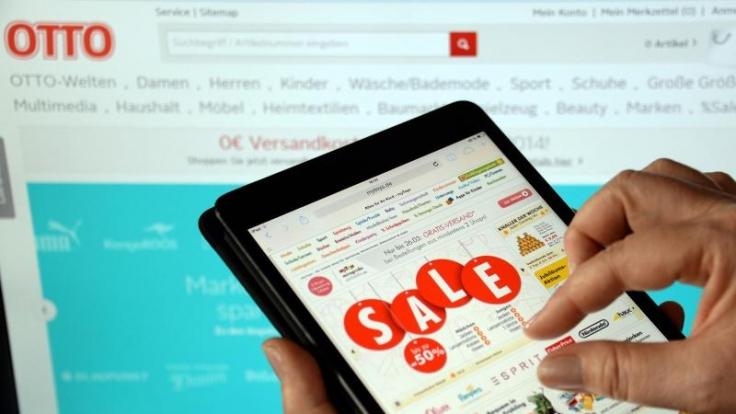 Beim Online-Shoppen via Tablet hakt es nicht nur in Sachen Bedienungsfreundlichkeit. Auch Kostenfallen lauern.