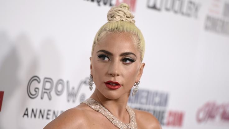 Lady Gaga heizt ihren Fans im Bikini auf ihren neuen Instagram-Fotos ein. (Foto)
