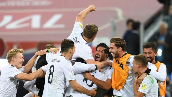 Die deutsche Fußballnationalmannschaft jubelt nach dem 0:1-Sieg gegen Chile im Finale des Confederations Cup 2017. (Foto)
