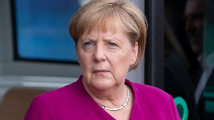 Angela Merkel schockte im Sommer durch einige heftige Zitteranfälle.