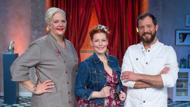 Die Back-Jury (Bettina Schliephake-Burchardt und Christian Hümbs) ist gespannt, was die Kandidaten in dieser Woche für Torten-Kreationen zaubern werden. (Foto)