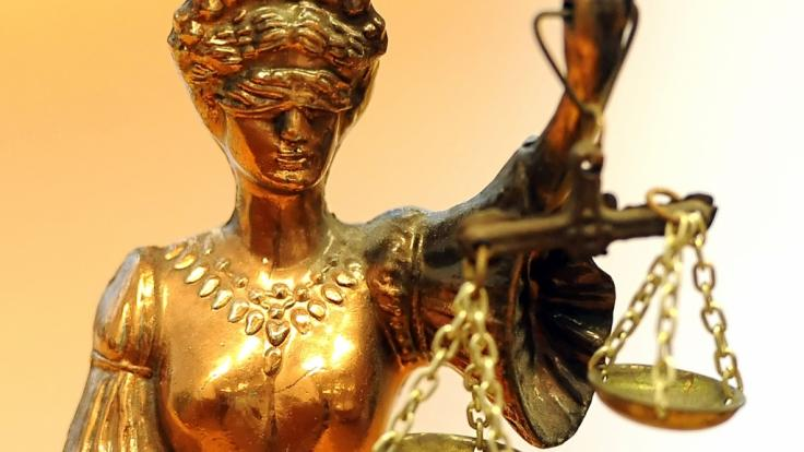 Im englischen Sheffield muss sich ein 20-Jähriger vor Gericht wegen des gewaltsamen Todes seiner 23 Monate alten Stieftochter verantworten (Symbolbild).
