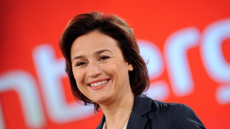 Sandra Maischberger diskutiert am 11. August mit ihren Gästen über die Corona-Pandemie, die Bundestagswahl und den Abzug der Nato. (Foto)
