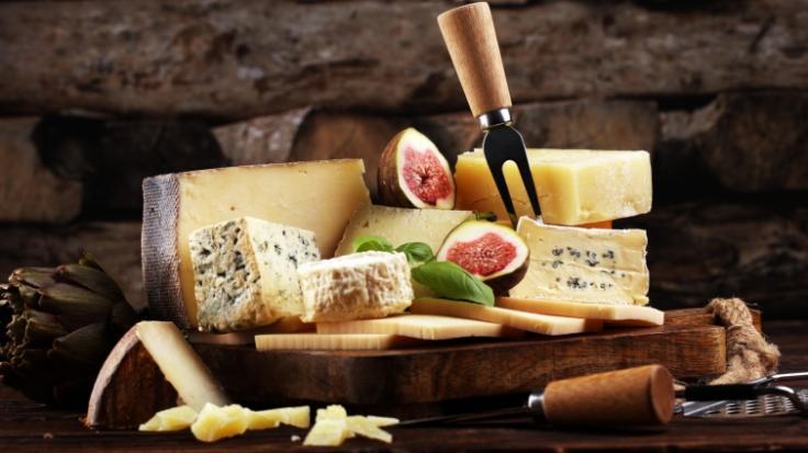 Aldi sieht sich im Oktober 2020 gezwungen, beliebte Käse-Produkte aus seinem Sortiment zurückzurufen (Symbolbild).