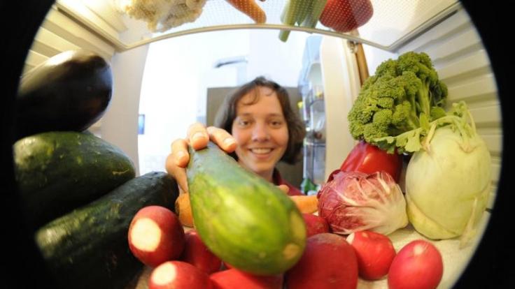 Eine gesunde Ernährung mit viel Obst und Gemüse bleibt aber das A und O. (Foto)