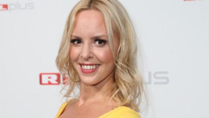 Glückwunsch: Die Profi-Tänzerin Isabel Edvardsson (34) verkündete live im TV, dass sie schwanger ist.