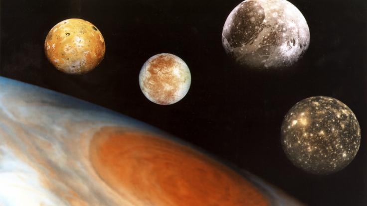 """Der Jupiter und seine vier großen """"galileischen"""" Monde: Io, Europa, Ganymed und Callisto. (Foto)"""