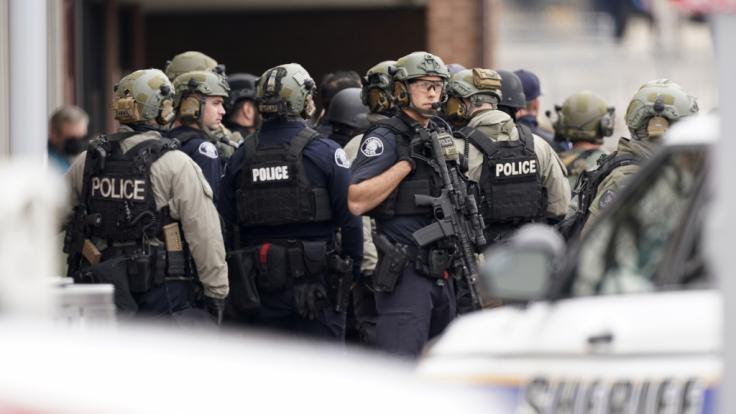 In Boulder, Colorado wurden zehn Menschen bei einer Schießerei in einem Supermarkt getötet. (Foto)