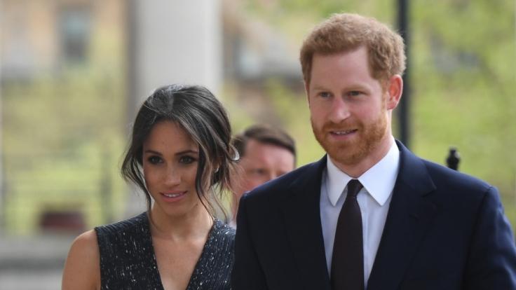 Meghan Markle und Prinz Harry setzen sich leidenschaftlich für den Klimaschutz ein - doch privat scheinen es die Herzogin und der Herzog von Sussex mit der Nachhaltigkeit nicht allzu ernst zu nehmen. (Foto)