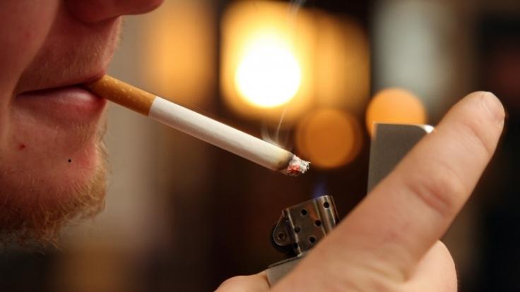 Raucherhusten gehört zu den gefährlichsten Lungenerkrankungen, da er das Organ zerstört. (Foto)