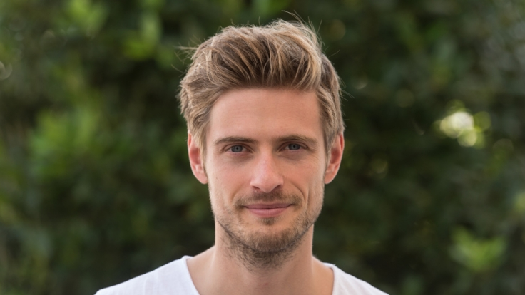 Seit 2004 verkörpert Jörn Schlönvoigt nun schon die Rolle des Arztes Philip Höfer.