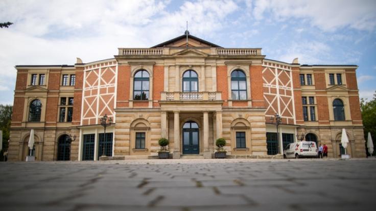 Im alterwürdigen Festspielhaus finden auch in diesem Jahr die Bayreuther Festspiele statt. (Foto)