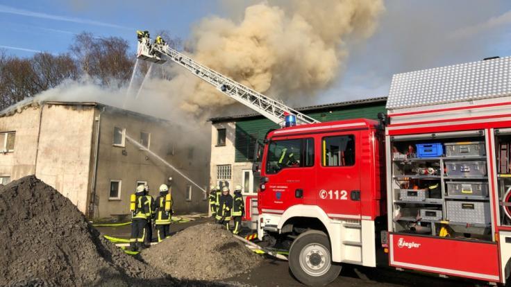 Drei Männer finden bei einem Wohnhausbrand in Arnsberg den Tod. (Foto)